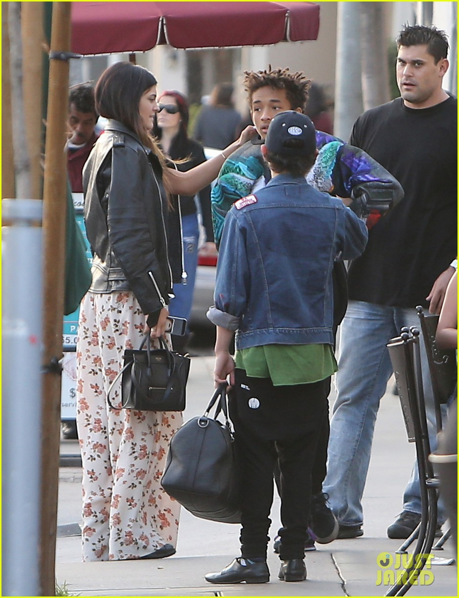 jaden smith kylie jenner shop dine with larger group 082996507