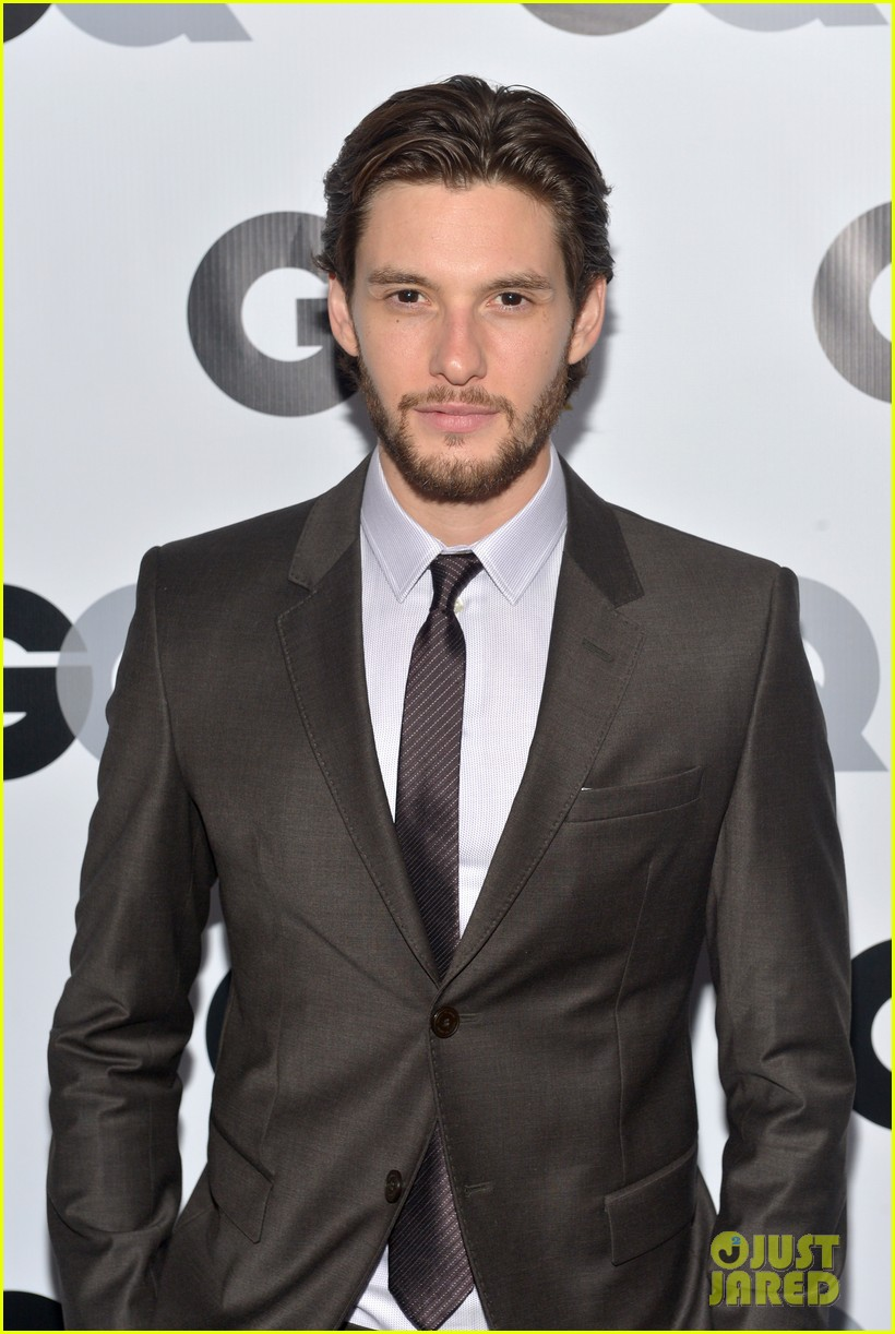 aaron taylor johnson ben barnes gq men of the year party 04