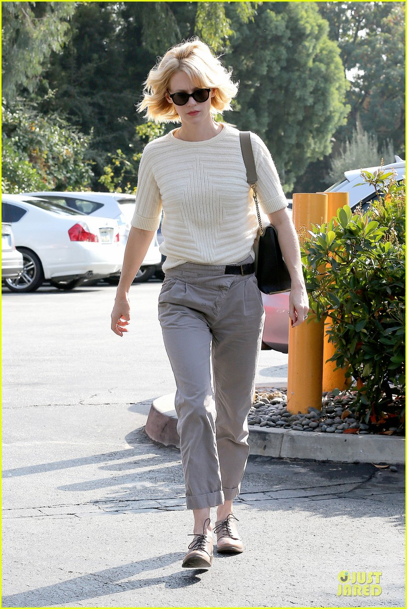 january jones sunglasses sporting pair 09