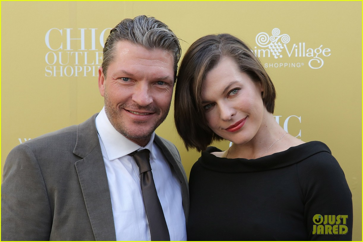 milla jovovich wertheim village 10th anniversary celebration 07