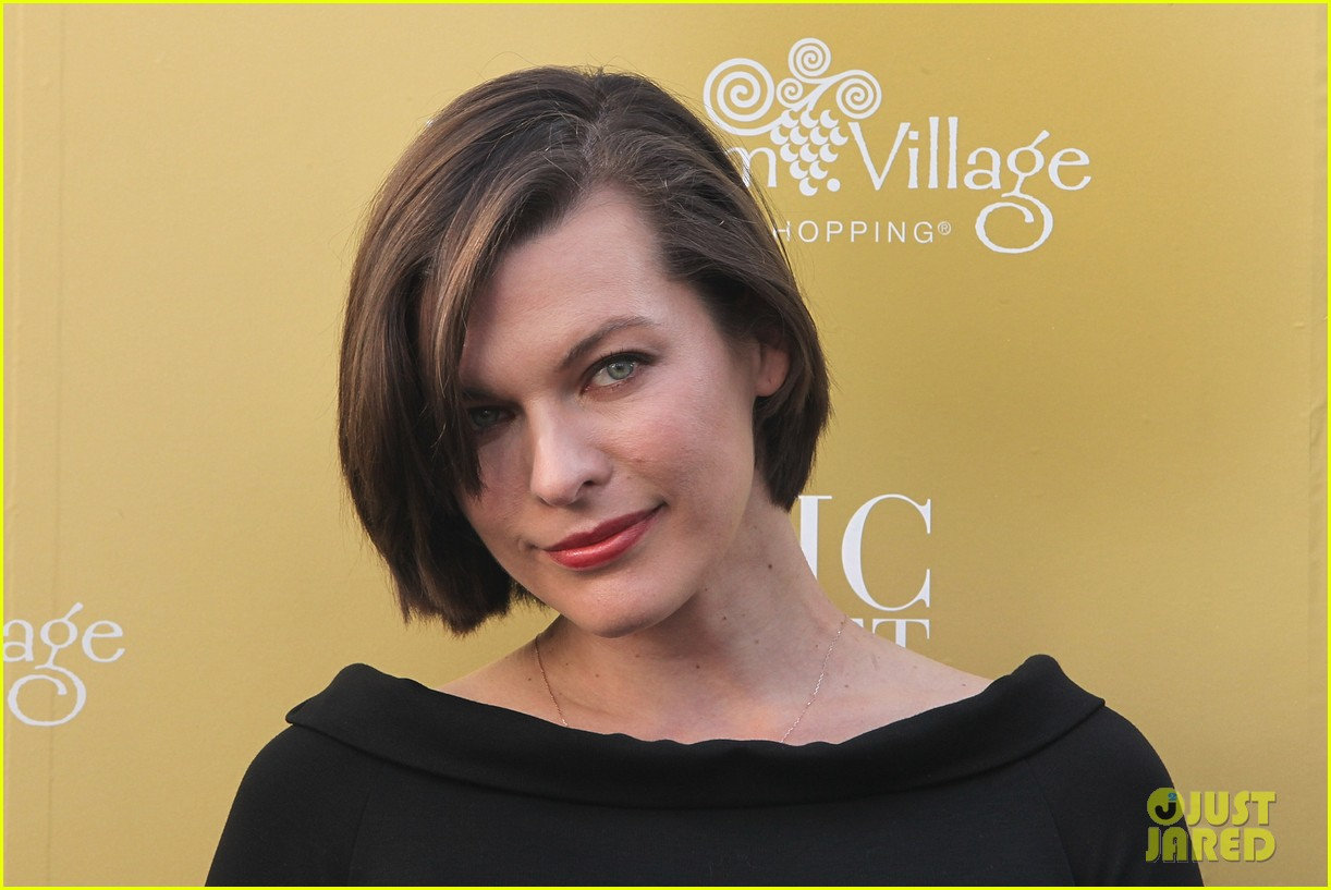 milla jovovich wertheim village 10th anniversary celebration 19