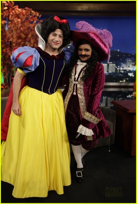 mindy kaling jimmy kimmel disney halloween costumes 03