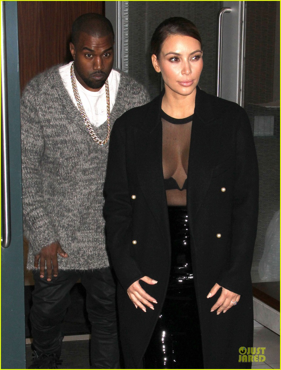 kim kardashian sheer cleavage for kanye west concert 02