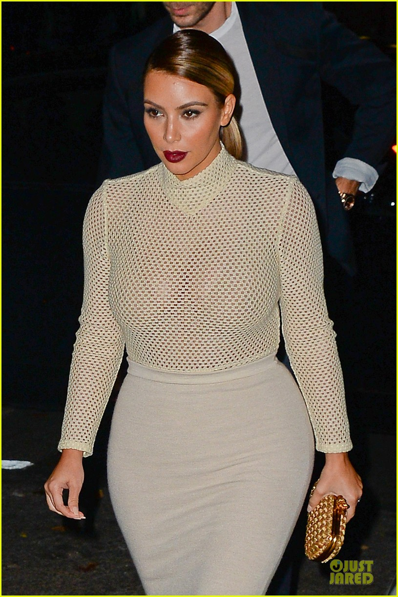 kim kardashian perforated top for outing with kendall jenner 07