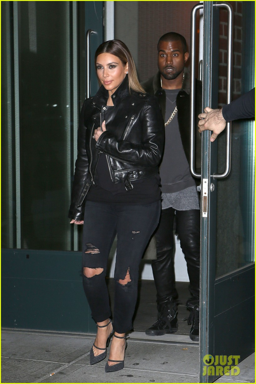 kim kardashian kanye west smile big for lucky fans 06