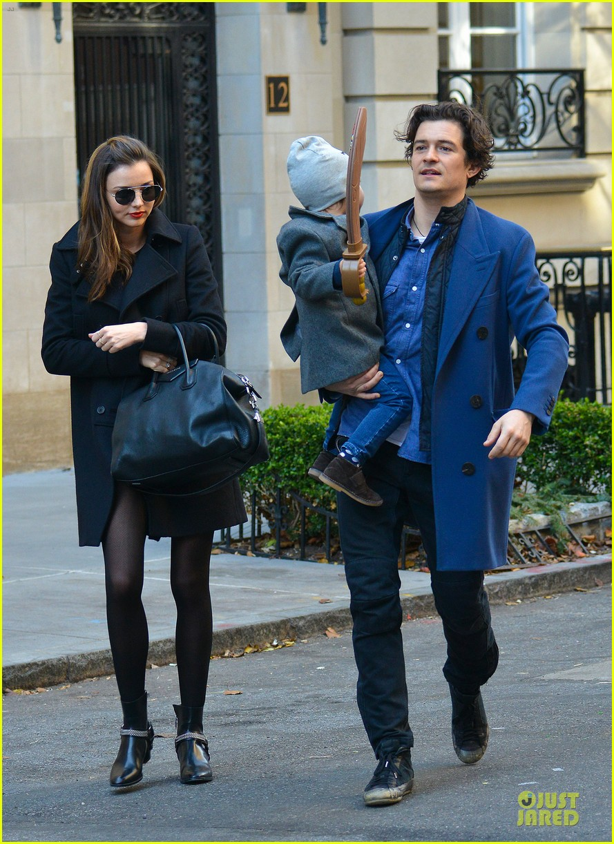 miranda kerr flynn enjoys watching orlando bloom on stage 013002546