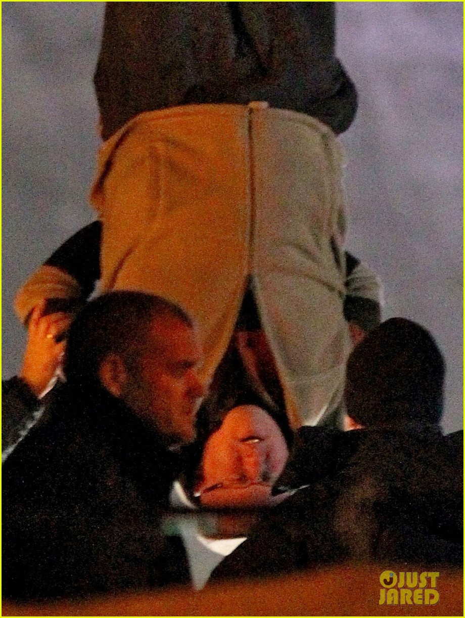 nicole kidman films with hanging man for paddington bear 16