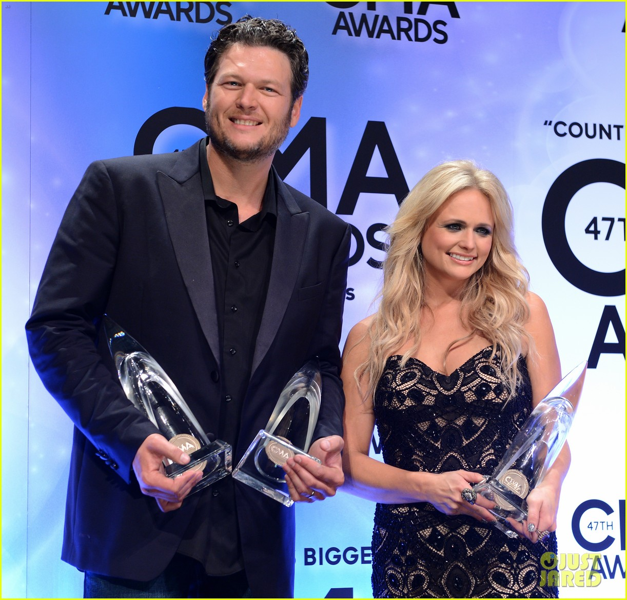 miranda lambert blake shelton cma awards 2013 red carpet 102987455