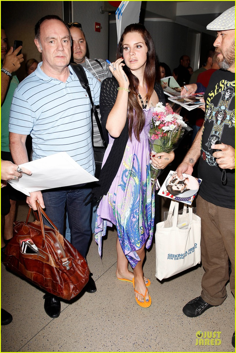 lana del rey receives flowers at lax airport 102994217