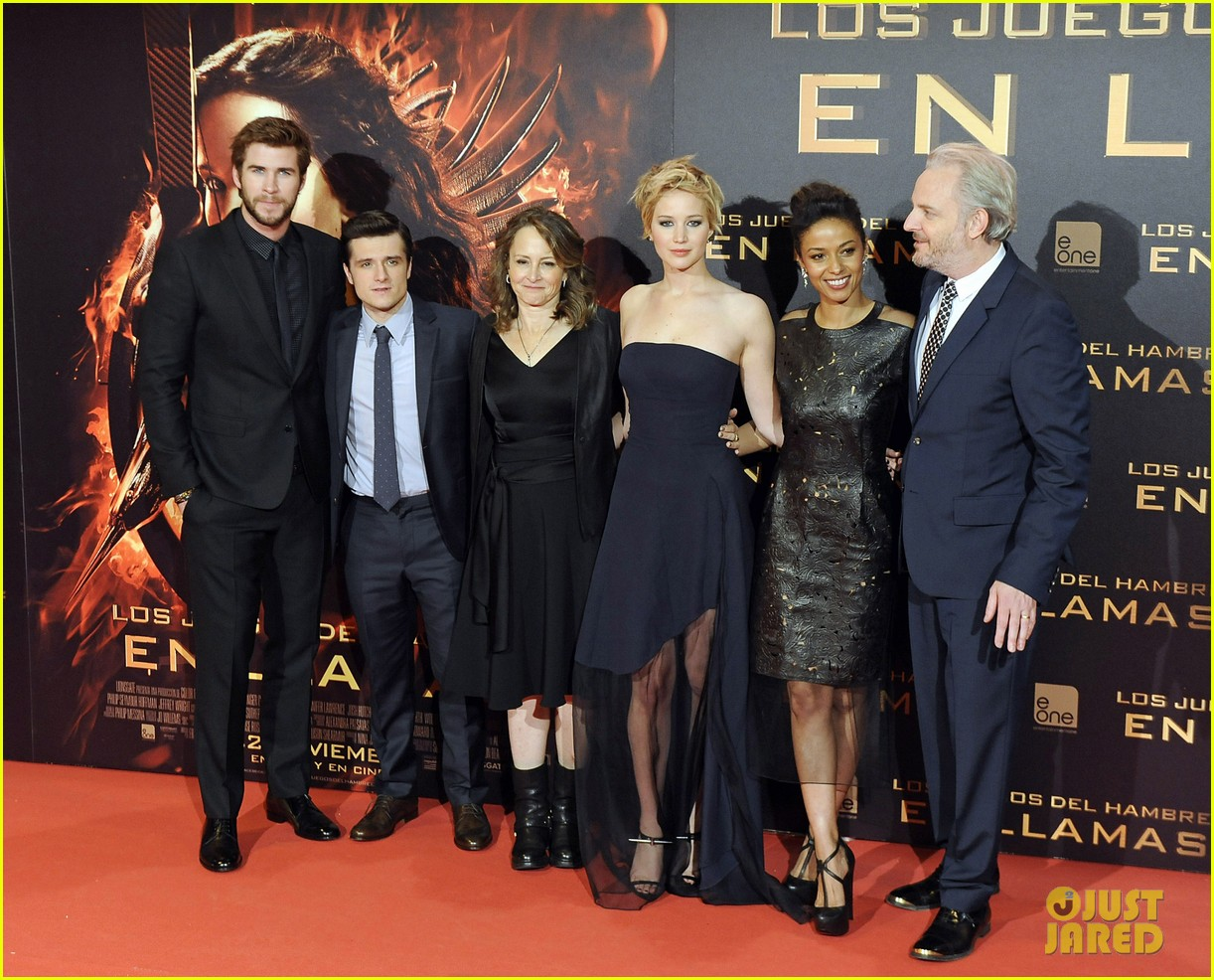 jennifer lawrence josh hutcherson catching fire madrid premiere 24