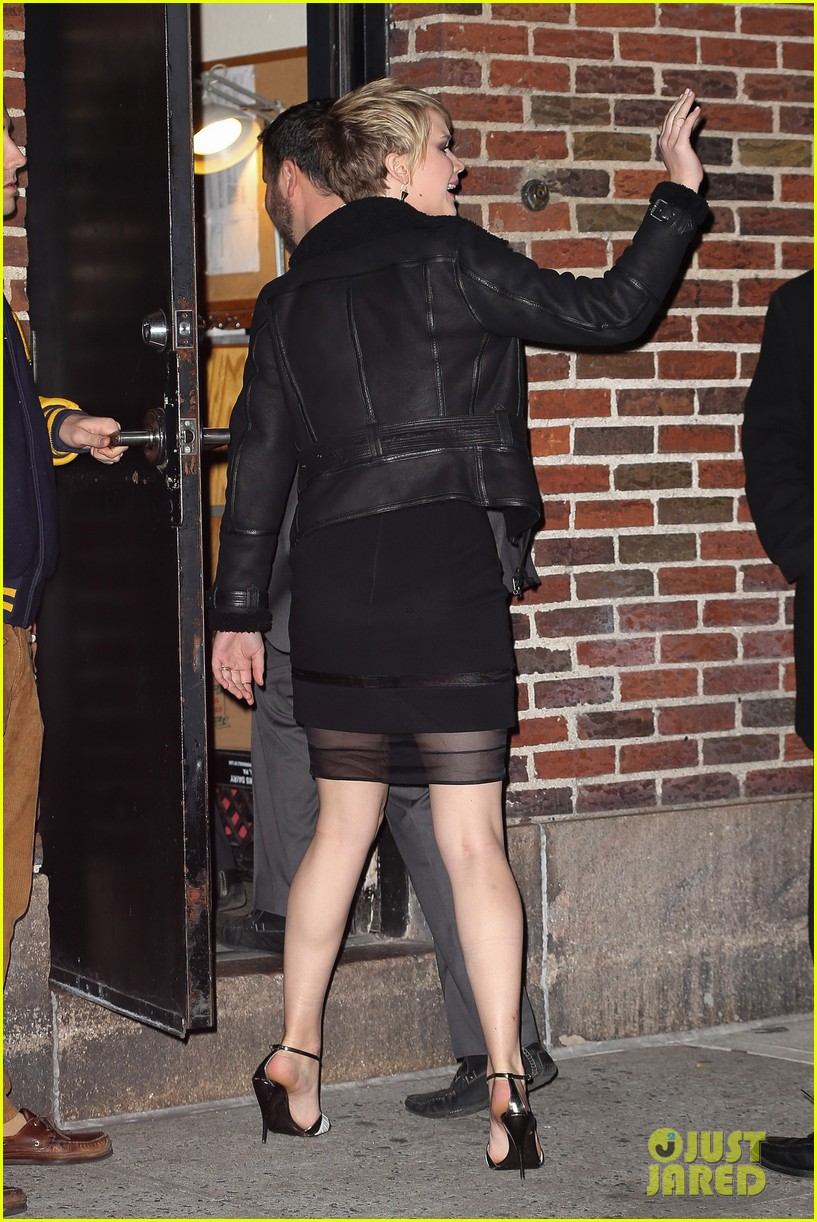 jennifer lawrence visits letterman with older brother ben 03