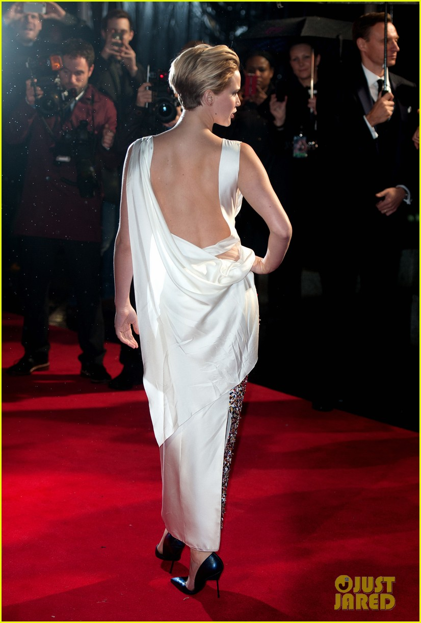 jennifer larence catching fire london premiere red carpet 052990444