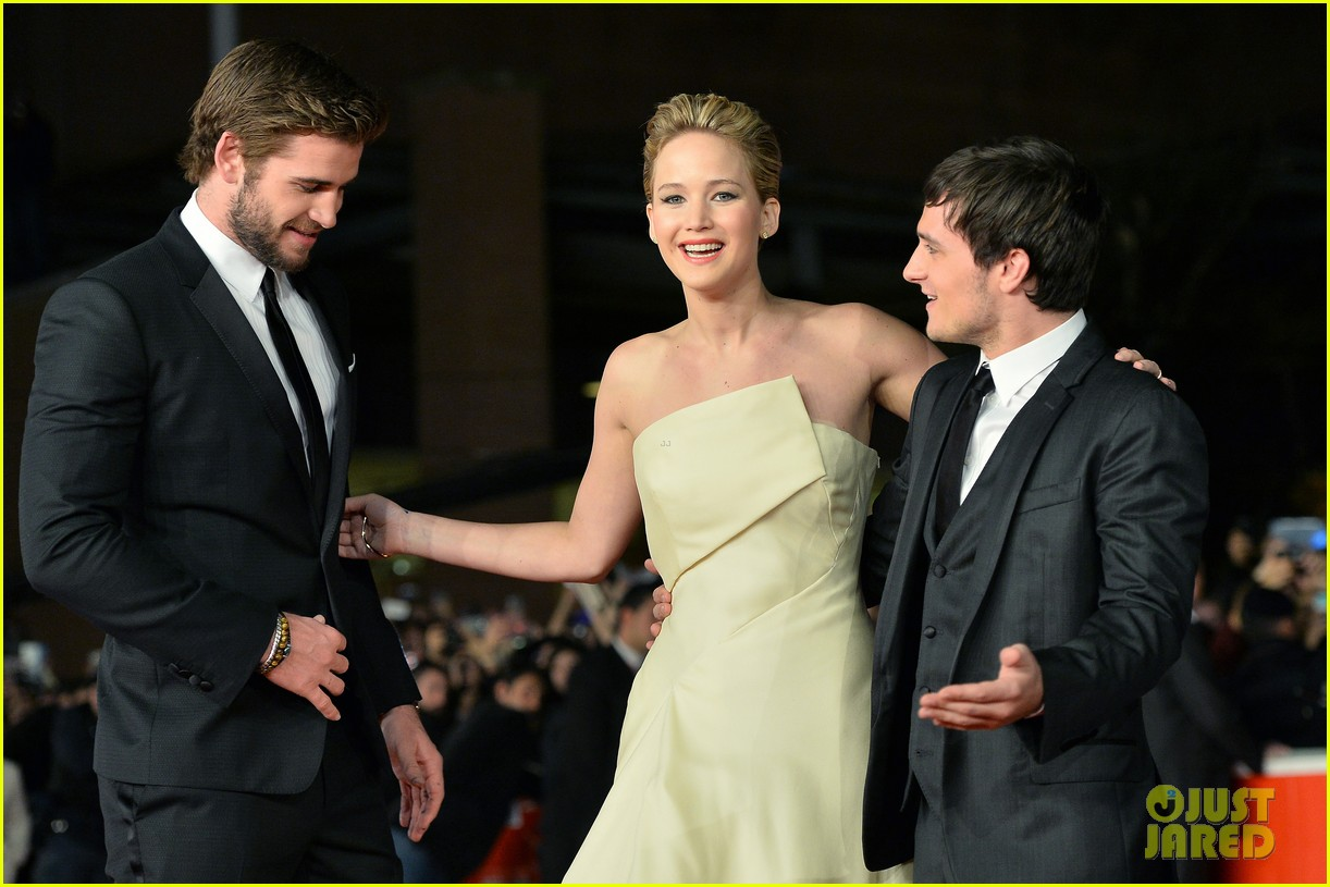 jennifer lawrence josh hutcherson catching fire rome premiere 14