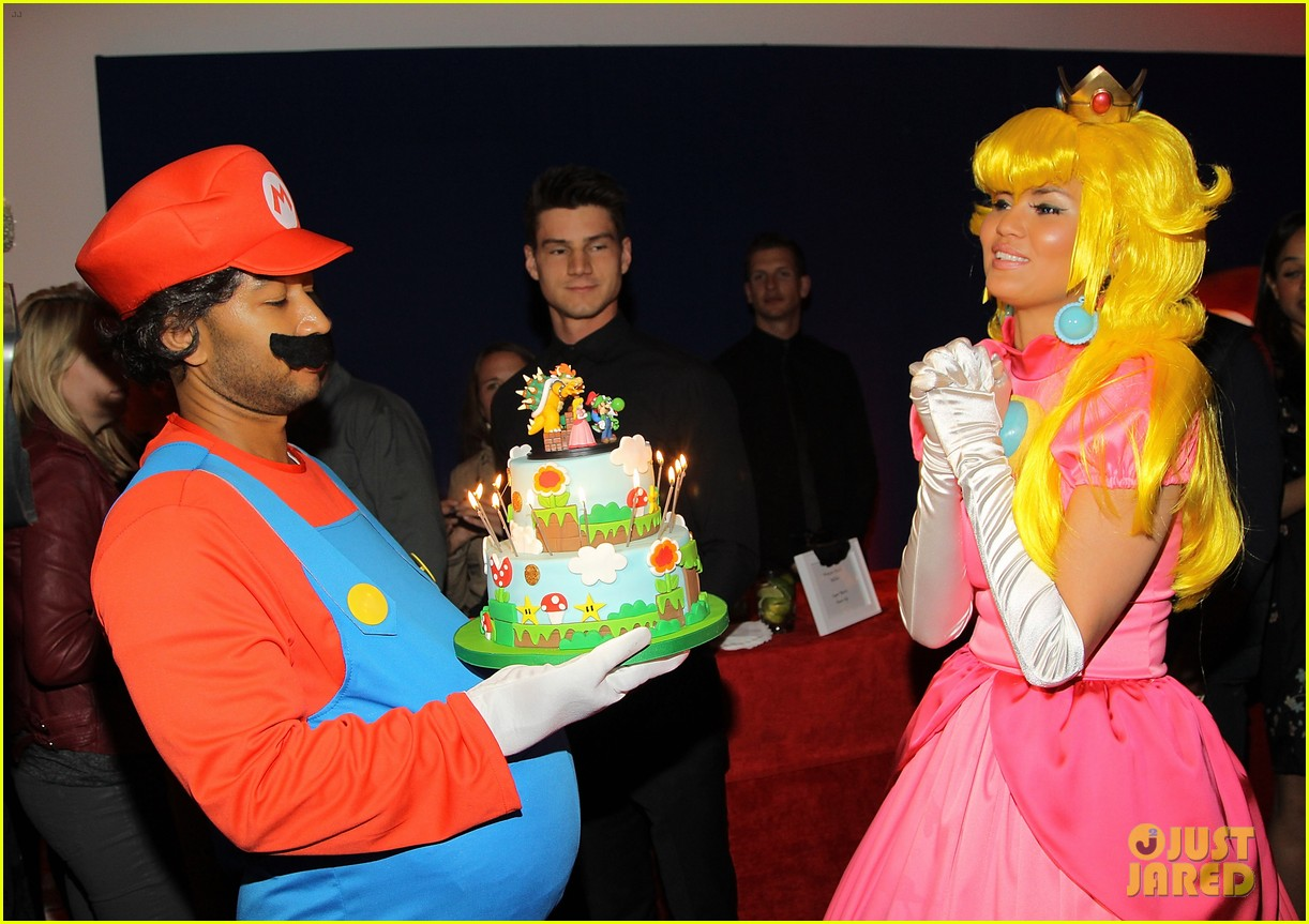 john legend chrissy teigen super mario bros birthday party 22
