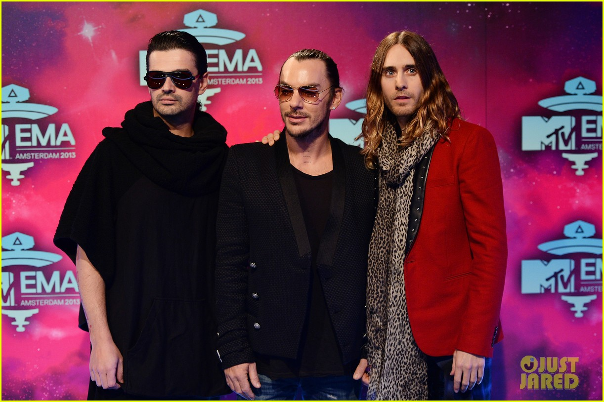 jared leto 30 seconds to mars mtv ema 2013 red carpet 05