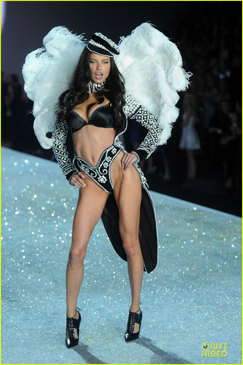 adriana lima lily aldridge victorias secret fashion show 2013 01