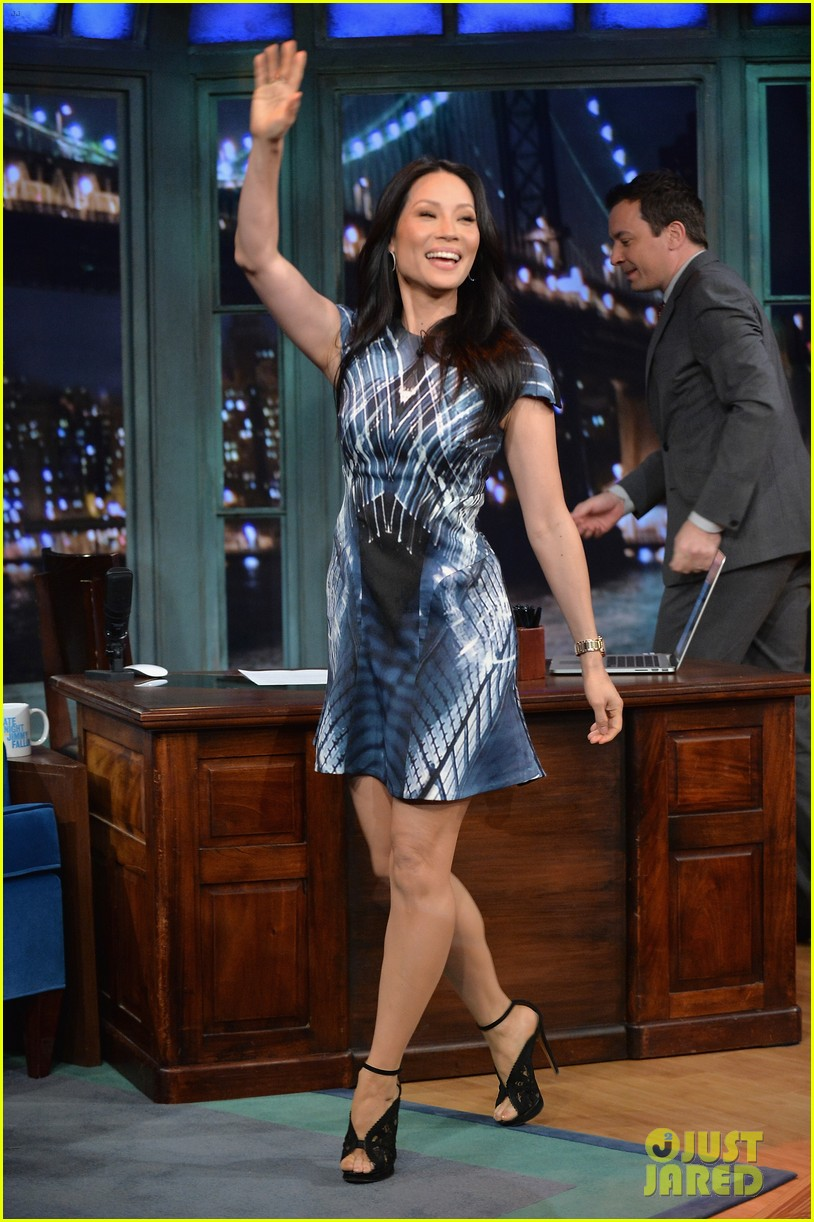 zachary quinto lucy liu play catchphrase on jimmy fallon 10
