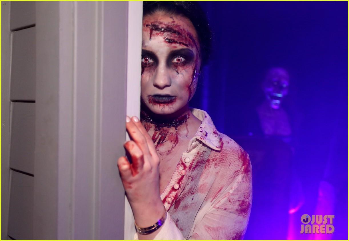 demi lovato dead zombie halloween costume 2013 04