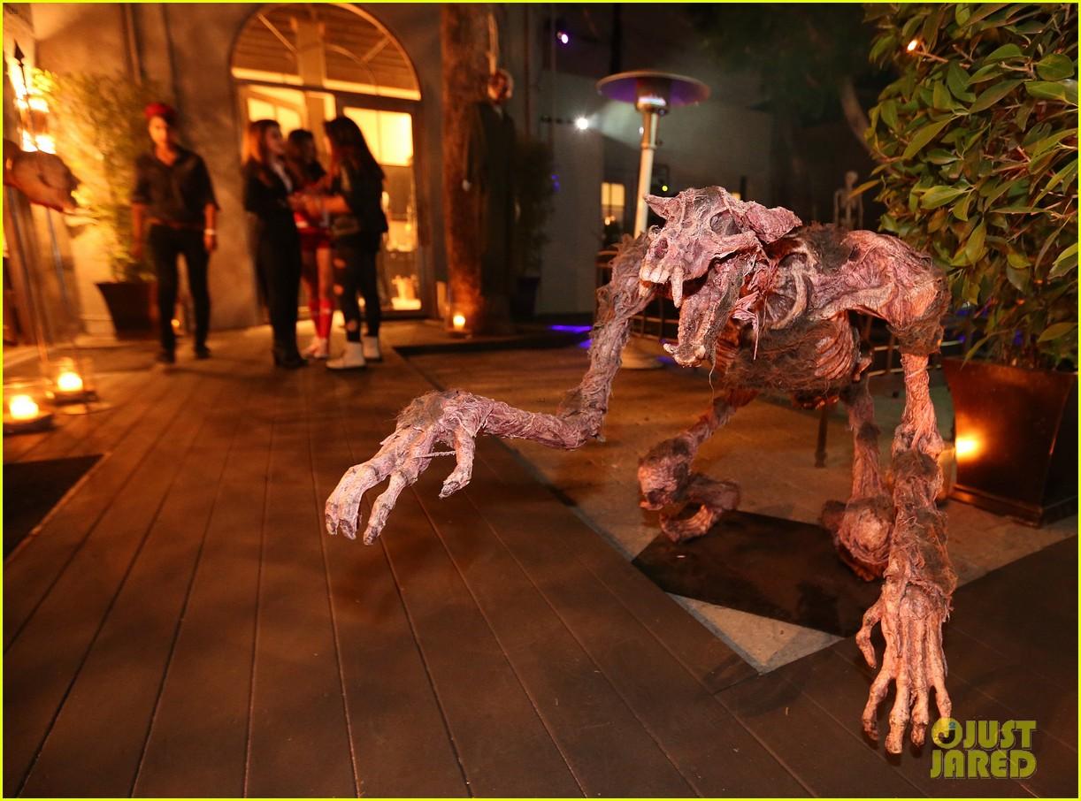 demi lovato dead zombie halloween costume 2013 06