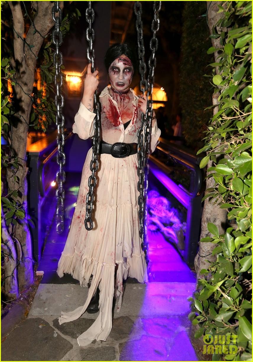 demi lovato dead zombie halloween costume 2013 242984133