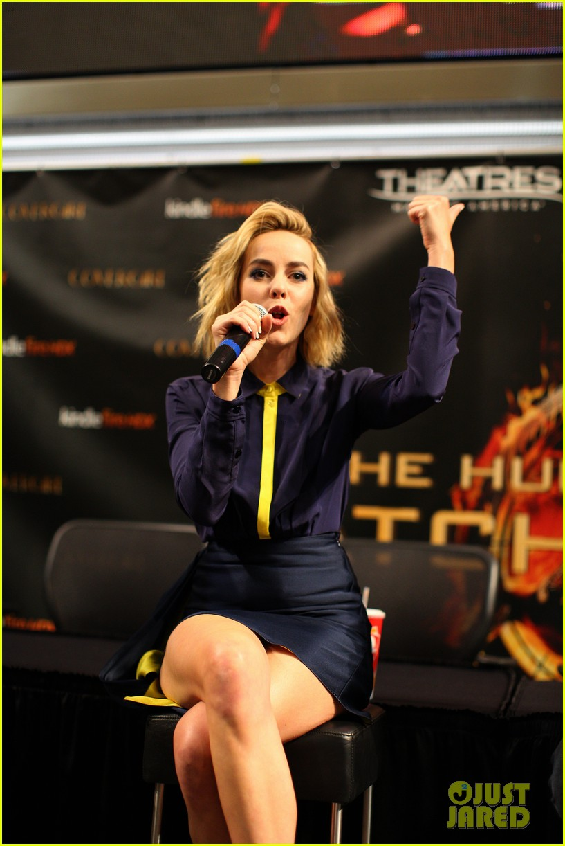 jena malone sam claflin hunger games victory tour in minnesota 14