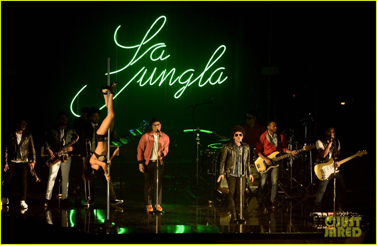 bruno mars performs gorilla at mtv ema 2013 video 132989969