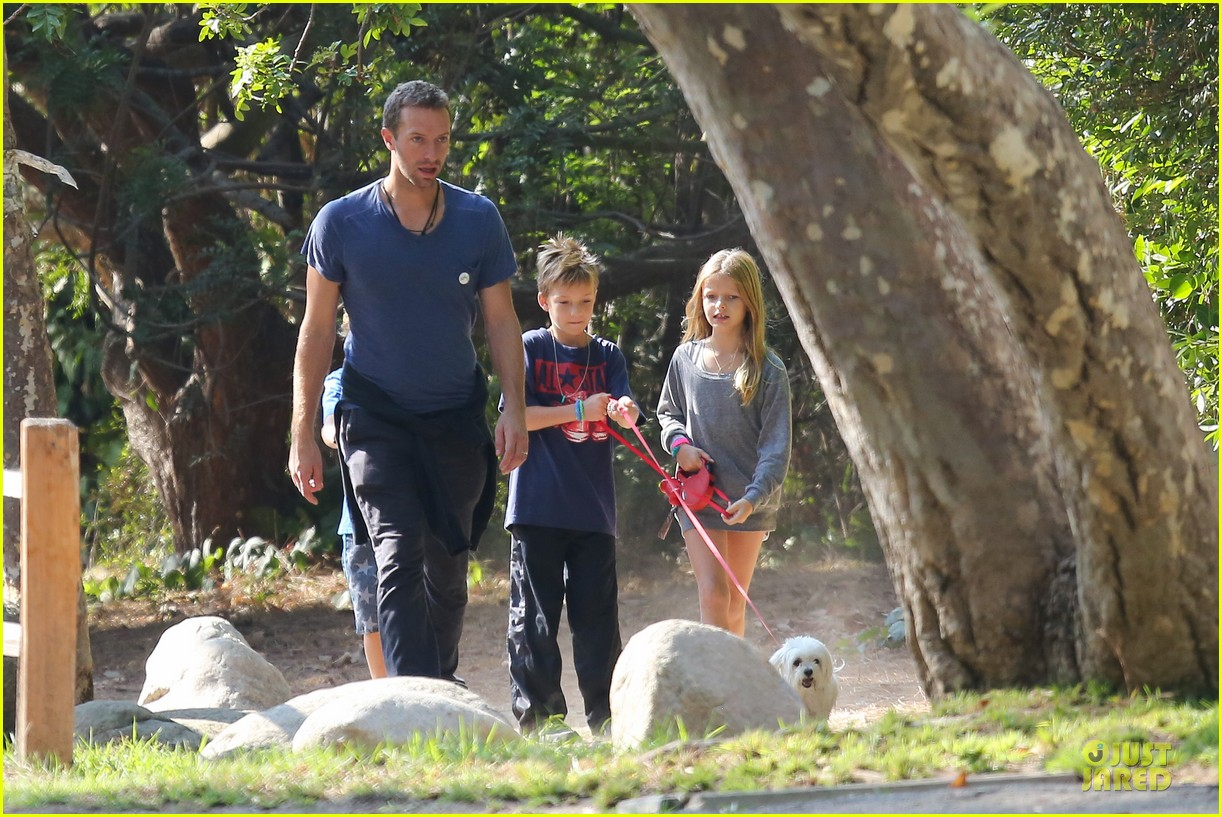 chris martin stroll with kids after kanye west concert 062986662