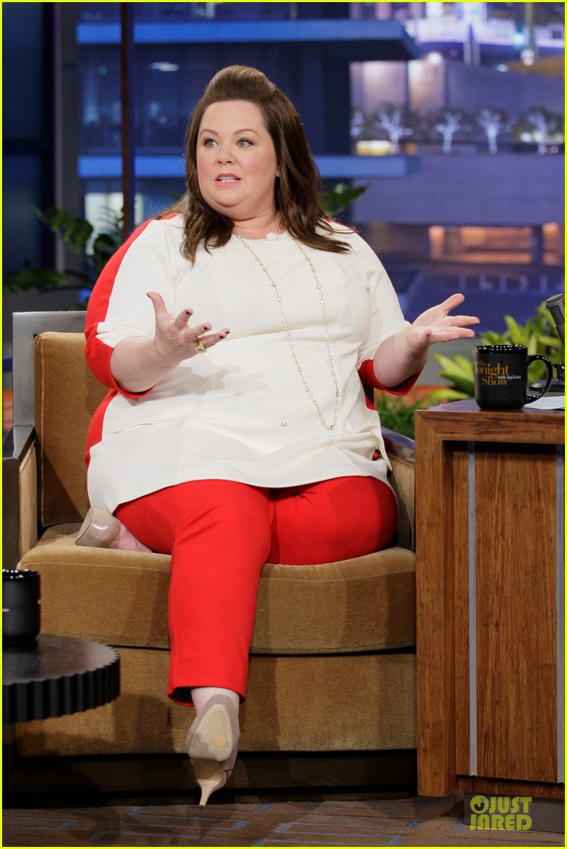 melissa mccarthy talks elle jacket gate on leno 03