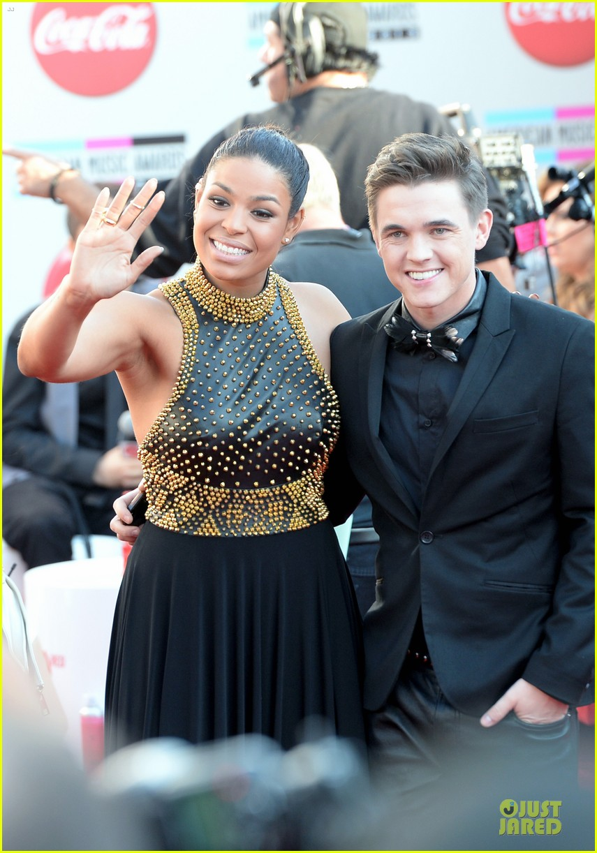 jesse mccartney amas 2013 red carpet 032999188