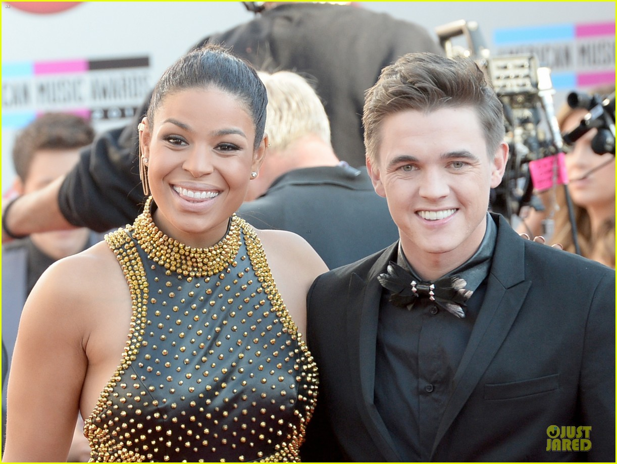 jesse mccartney amas 2013 red carpet 09