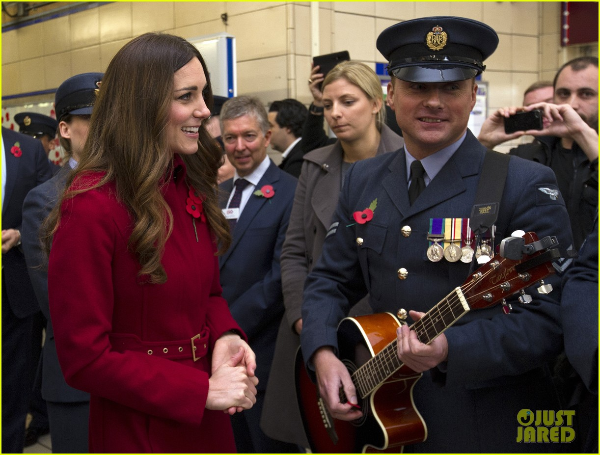 kate middleton prince william poppy day appeal 122987515