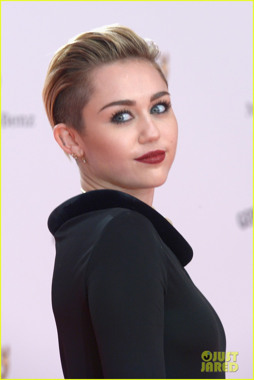 miley cyrus bambi awards 2013 032992738