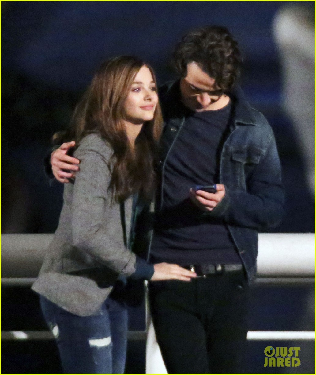 chloe moretz kisses co star jamie blackley on set 223001246