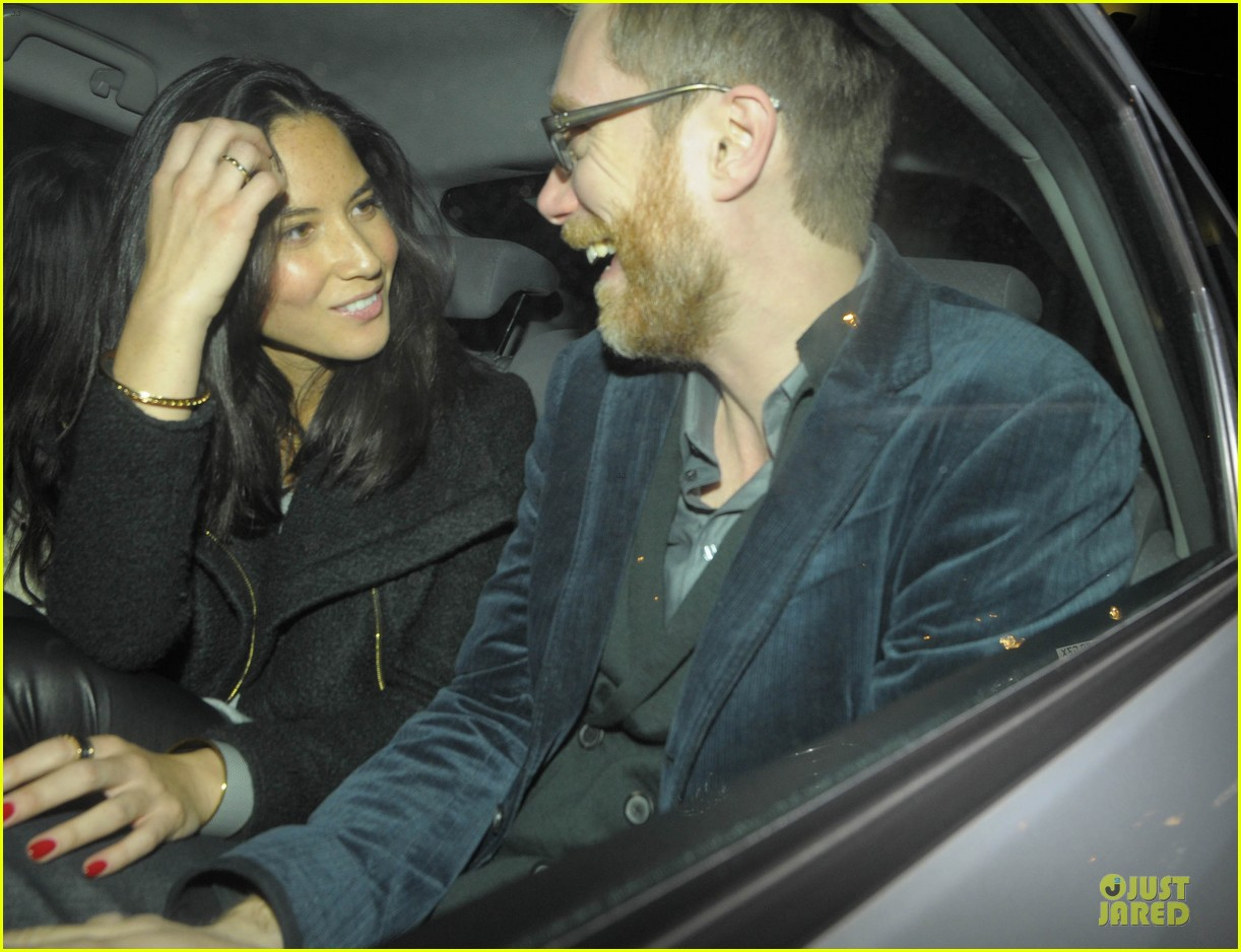 olivia munn groucho club with stephen merchant 08