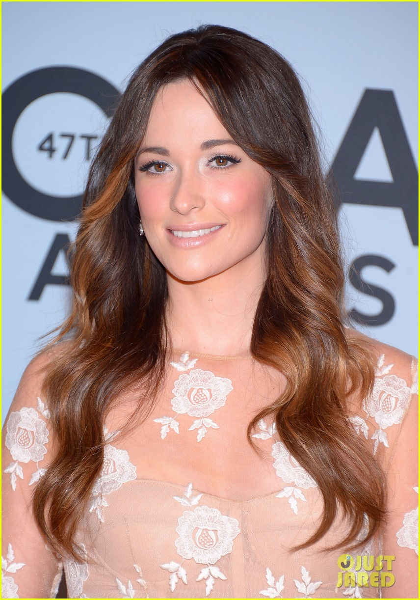 jennifer nettles kacey musgraves cmt awards 2013 red carpet 02