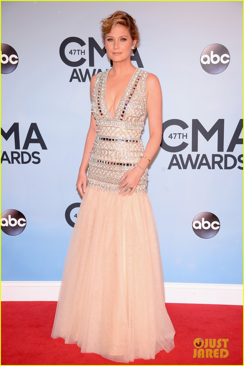 jennifer nettles kacey musgraves cmt awards 2013 red carpet 03