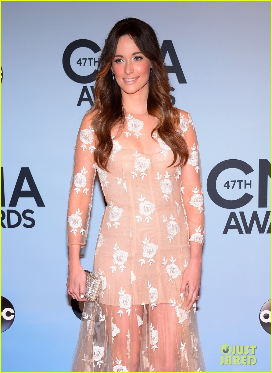 jennifer nettles kacey musgraves cmt awards 2013 red carpet 06