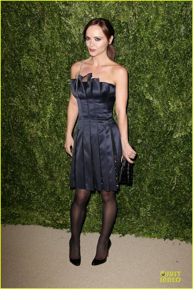 ashley olsen julianne moore cfda fashion fund finalists celebration 10