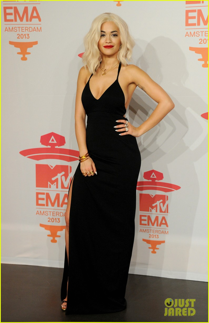rita ora calvin harris mtv ema 2013 red carpet 01