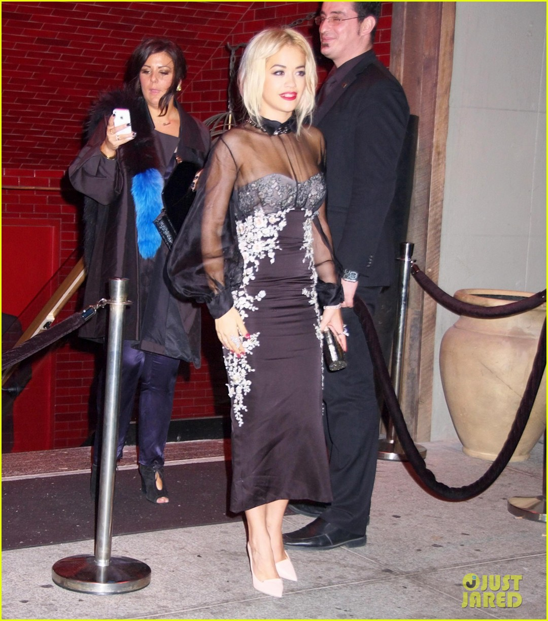 rita ora wears red wig for halloween in new york city 032983934
