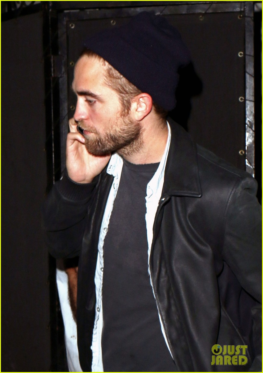 robert pattinson steps out amid dylan penn romance report 04