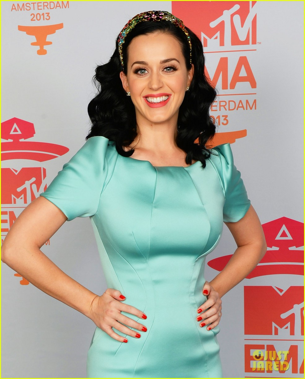 katy perry mtv ema 2013 red carpet 042989772