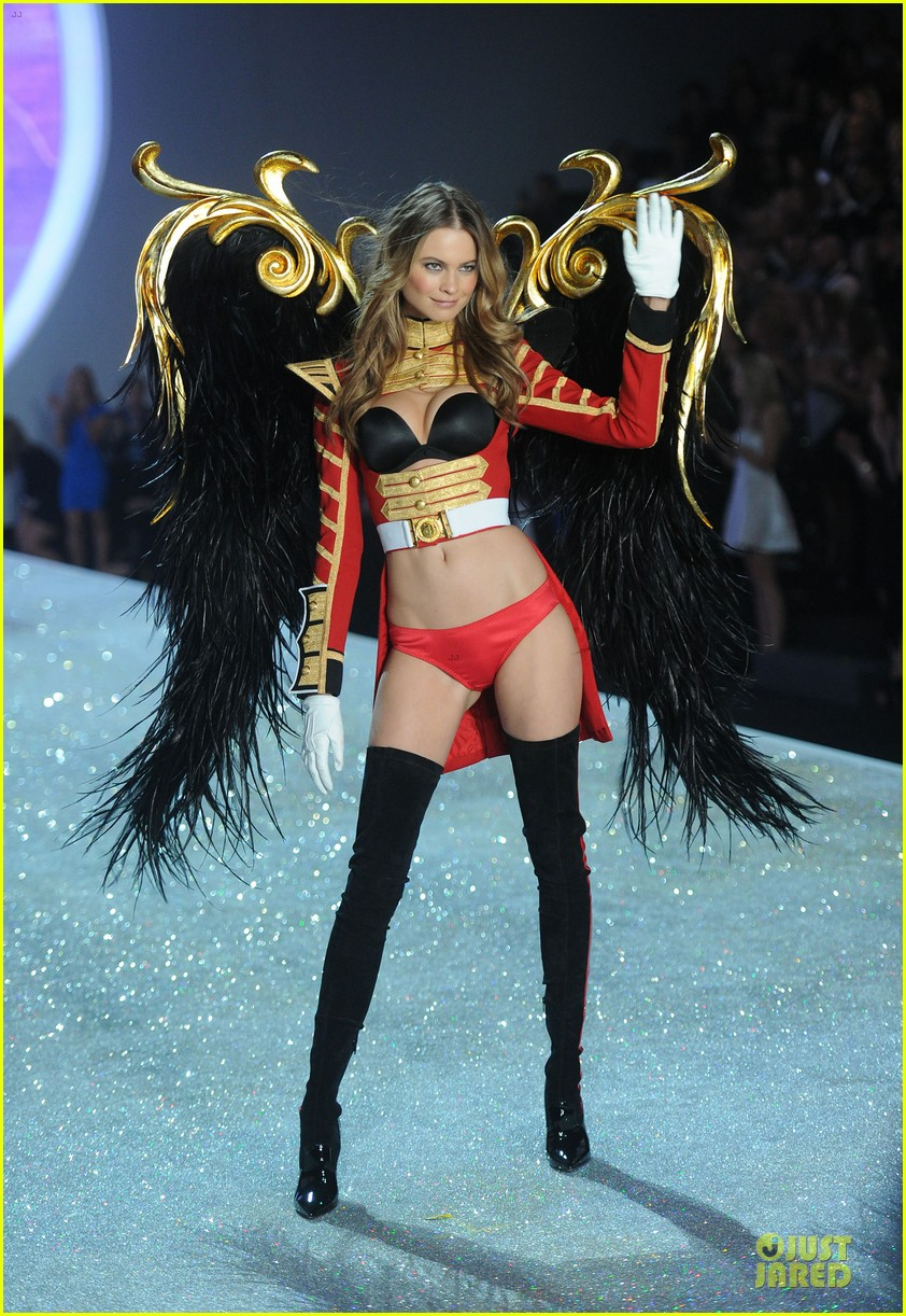 behati prinsloo erin heatherton victorias secret fashion show 2013 032992270