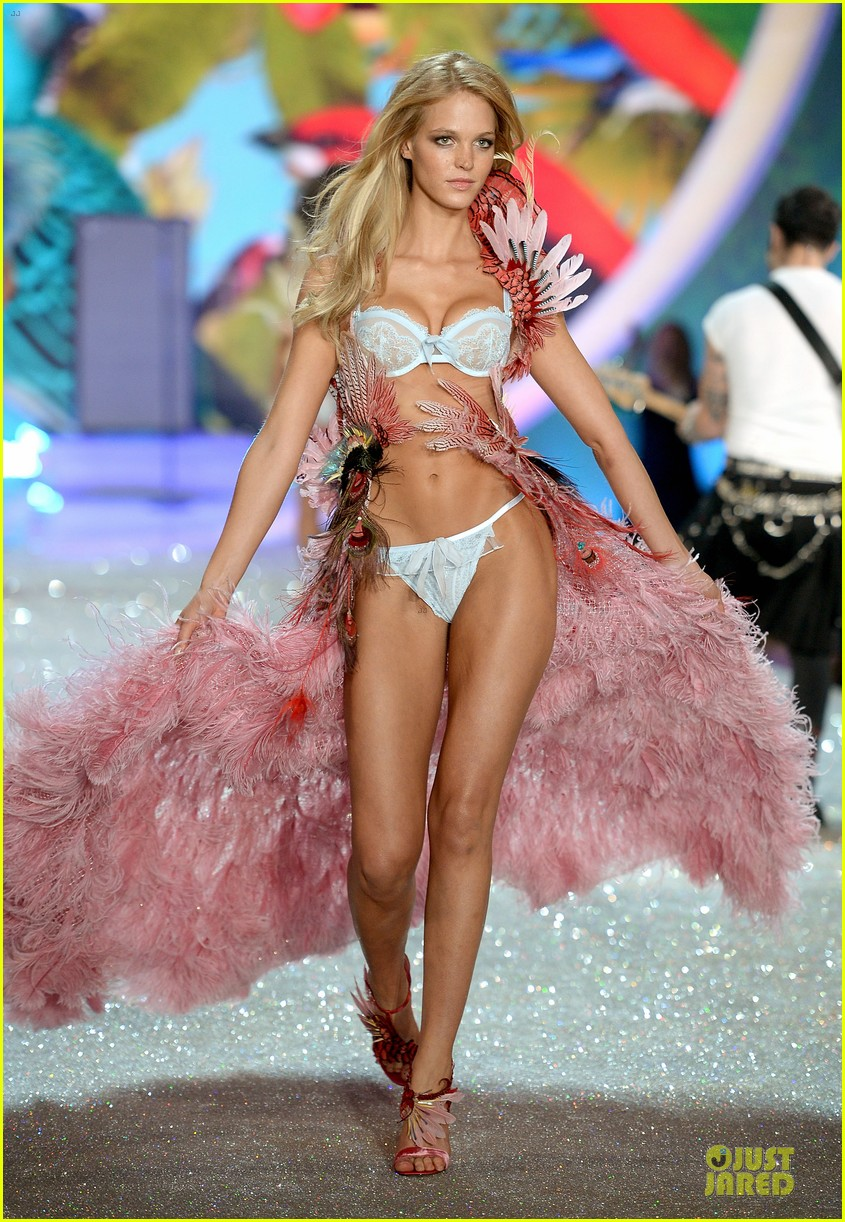 behati prinsloo erin heatherton victorias secret fashion show 2013 152992282