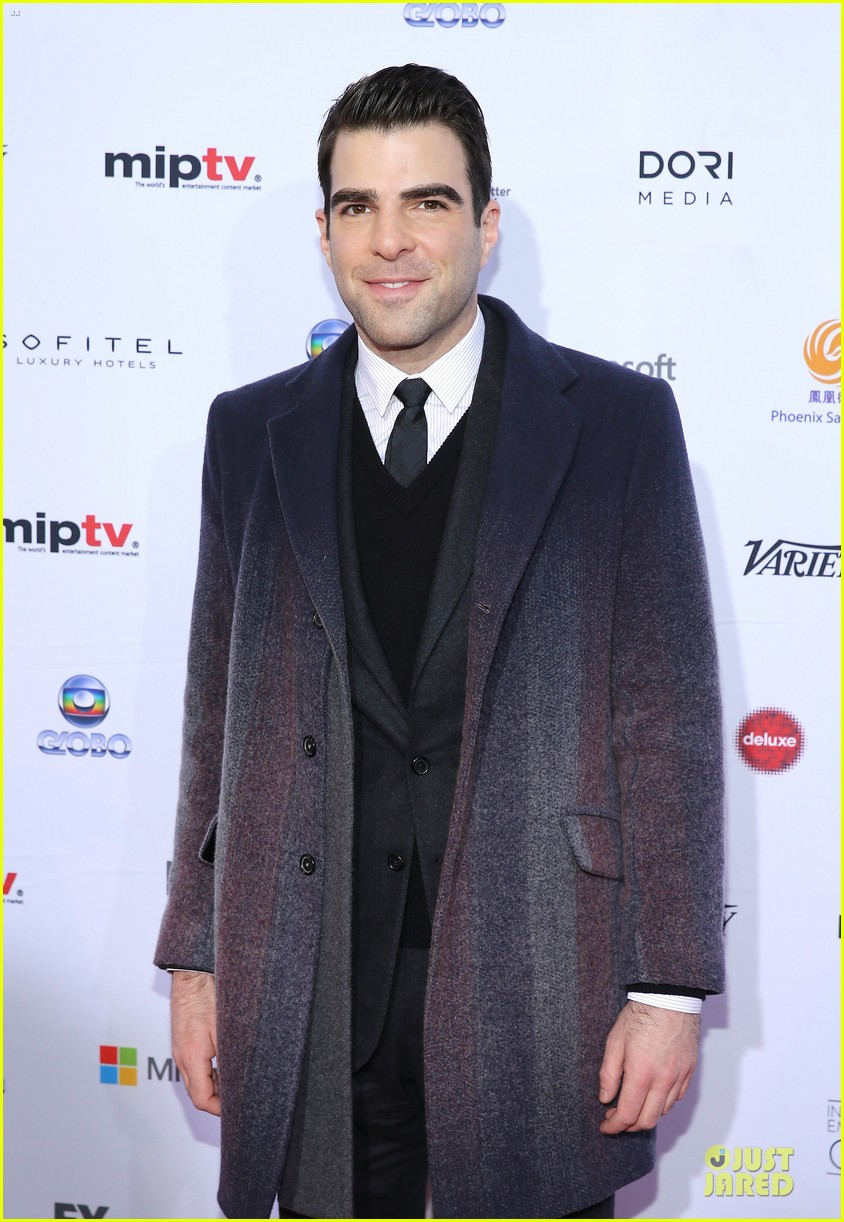 zachary quinto honors jj abrams at international emmys 06