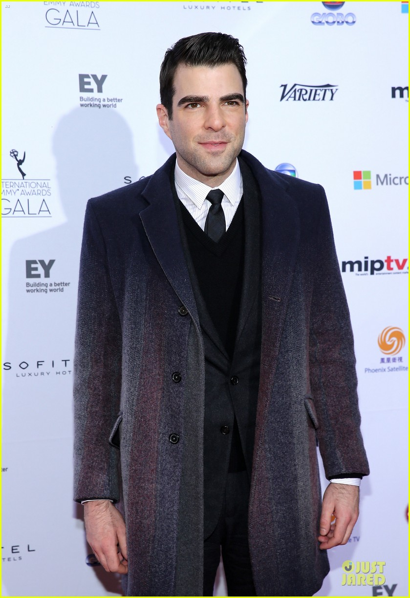 zachary quinto honors jj abrams at international emmys 09