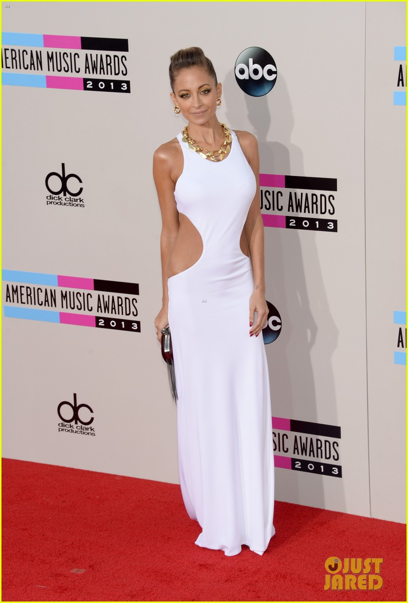 nicole richie heidi klum amas 2013 red carpet 172999356