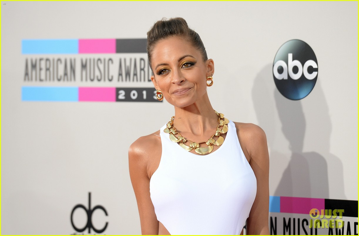 nicole richie heidi klum amas 2013 red carpet 18