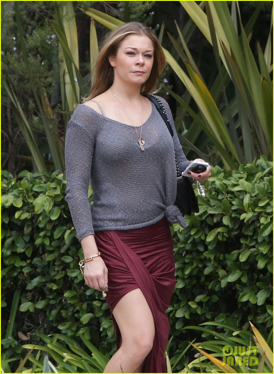 leann rimes spends day catching up on real life 18