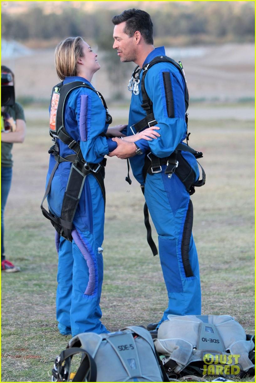 leann rimes eddie cibrian skydive elsinore couple 02